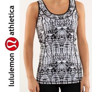 Lululemon Stay On Course Tank in B/W Glacier Lace